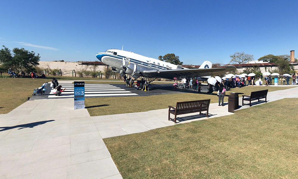 VARIG EXPERIENCE-Visitação externa do Avião DC-3PP-ANU